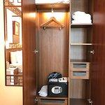 Lan Kwai Fong Hotel  - closet and safe