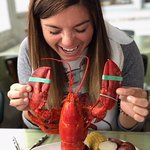 Elle thats not how you eat a lobster!