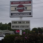 ME - ARUNDEL - MIKE'S AMERICAN DINER - SIGN OUT FRONT