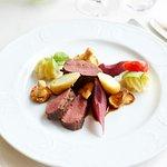 Feine deutsche Speisen aus regionalen Produkten