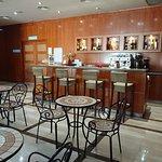Bar - cafetería.