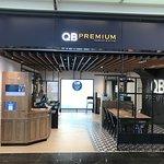 Foto de HKIA No.1 Passenger Terminal Building Shopping Area
