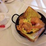 scrambled eggs & smoked salmon