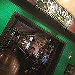 Foto de Champs Bar & Grill Shangri-La Hotel Shenzhen
