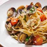 Spaghetti alla Vongole, citron confit et petites tomates Pachino