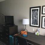 La Quinta Inn & Suites by Wyndham Lake Charles - Westlake Image