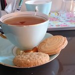 Porcelain and biscuits