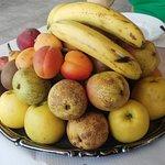 Frutta, abbondandissima...