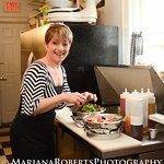 Meet our talented chef Lisa!!