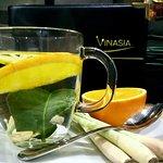 Unser Yuzu Tee: Orange, Zitrone, Zitronengras, Limettenblatt und Honig