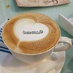 Genesis Cafe & Restaurant ภาพถ่าย