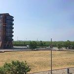 Schöne Lage zwischen Hafen und Weserdeich, aber im 1. Stock hilft ein Fernglas noch nicht wirkli