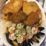 Foto de Tony's Fish & Oyster Cafe