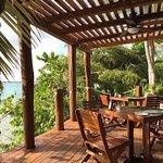 Restaurant ouvert sur le lagon