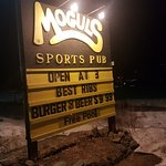 Mogul's Sports Pub & Restaurantの写真