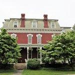 Lovelace Manor
