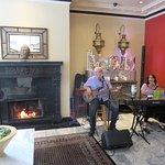 Live Music in Lobby of Hotel Carlton - San Francisco (05/Jun/18).