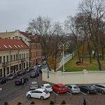 Вид из номера в отеле. Кусочек территории Президентского дворца