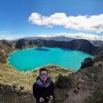 Laguna del Quilotoa. Boca de cráter en la cual se formó una Laguna.