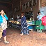 Cambodia Post VIP Van รูปภาพ