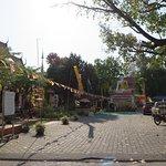 2正門先の仏像