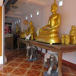 6礼拝堂脇の仏像