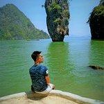 เป็นเกาะที่สวยและมีเอกลักษณ์เฉพาะ นั่นคือ เขาพิงกัน และ เขาตะปู สวยงามมาก