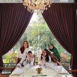 Beautiful place,good food, clean resto, tks for mr  Najib Serve Plantaran menteng he is good job