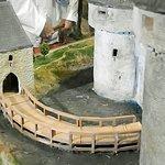 Maquette : le pont d'accès en bois pouvait être détruit lors d'attaque