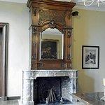Magnifique cheminée en marbre et boiseries