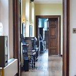 Suite de salons avec cabinets à tiroirs secrets