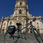 Barocco in movimento con una e bike è facile raggiungere questi scorci!
