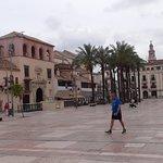 diversas vistas de la plaza