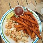 Key Largo Fisheries Backyard Cafe照片