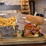 burger campagnard - restaurant Ma Poulette - Aéroville