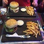 Bilde fra Jungle Burger Sports Bar & Bistro