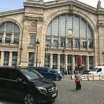Paris Gare du Nord train Station. Transfers to Paris or direct to Paris Hotel and other destinat