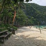 صورة فوتوغرافية لـ Island Hopping in the Philippines