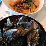moules mariniere et macaronade de la mer