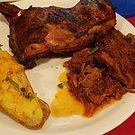 Pulled Pork & Leg Quarter Platter