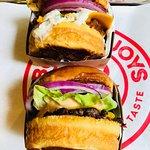 Burger Joys (Tai Yik House) ภาพถ่าย