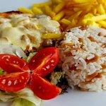 Aruna Restaurant & Cafe resmi