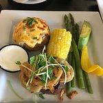 ภาพถ่ายของ Waggs Steak & Seafood
