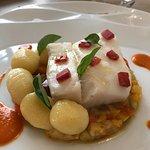 Glace Papilla,pavé de cabillaud et légumes méditerranéens ;crème de petits pois,Ricotta et chips