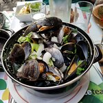Mussels - white wine and garlic