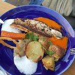 plat : bar avec carotte et pommes de terre