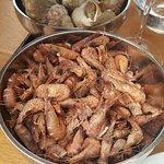 bol de bulots et crevettes grises