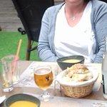 Soupes carotte-curry et cacahuète