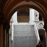 Foto de Scala dei Giganti di Palazzo Ducale