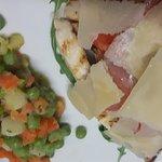 Tagliata di pollo rucola e grana